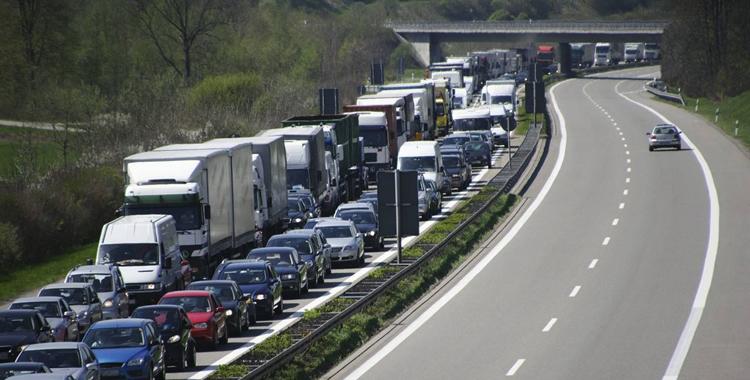 安徽发布春节高速公路出行指南 8座9座客车暂不免费通行